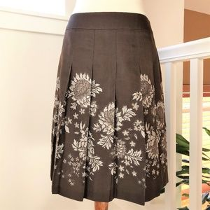 Ann Taylor Brown Pleated A-line Skirt